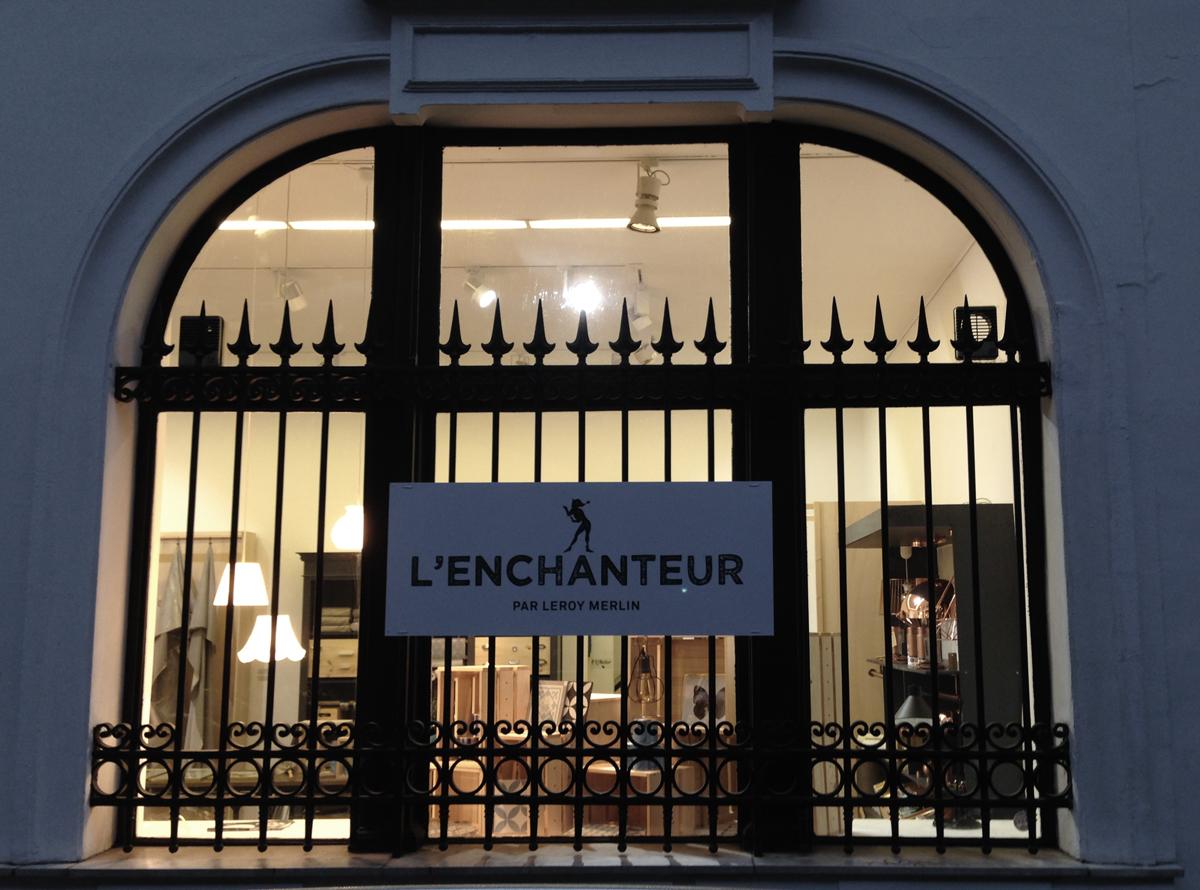 lenchanteur-01